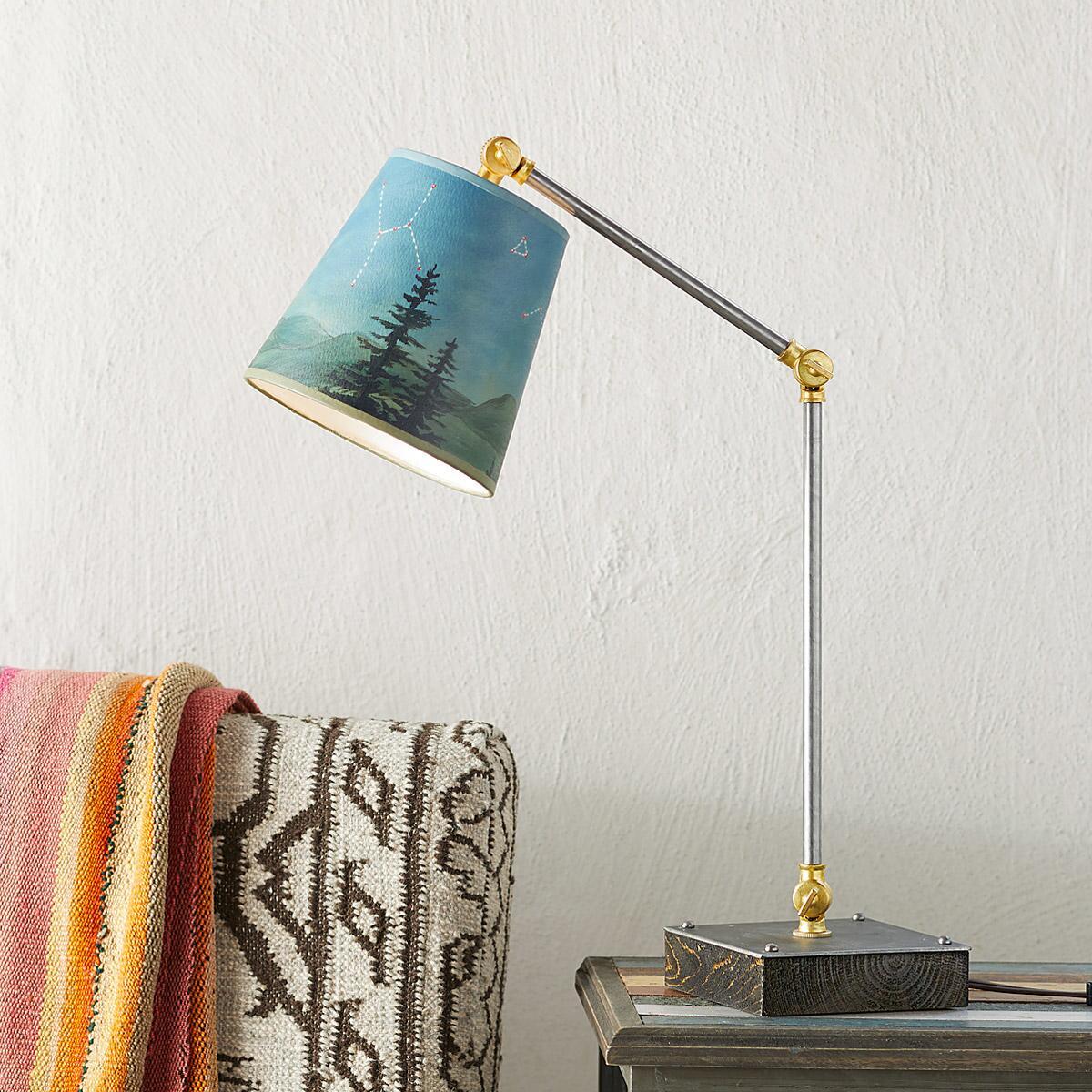 CONSTELLA TASK LAMP: View 1