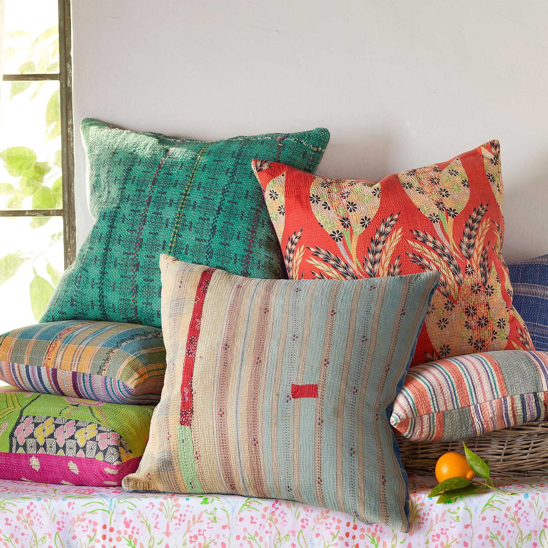 VINTAGE SARI PILLOWS: View 1