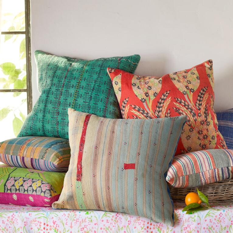 VINTAGE SARI PILLOWS