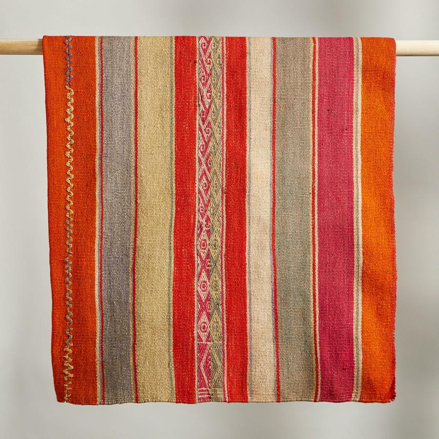 COCHABAMBA BOLIVIAN THROW