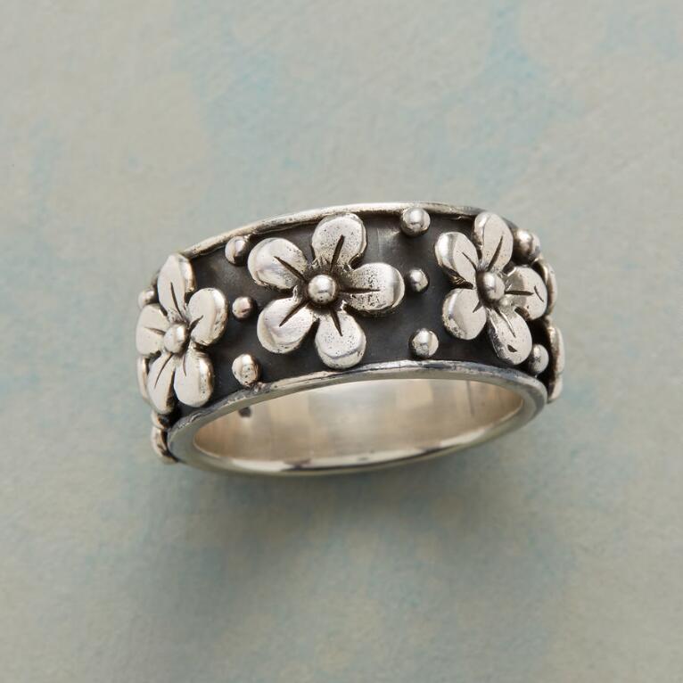 PARADE OF BLOSSOMS RING