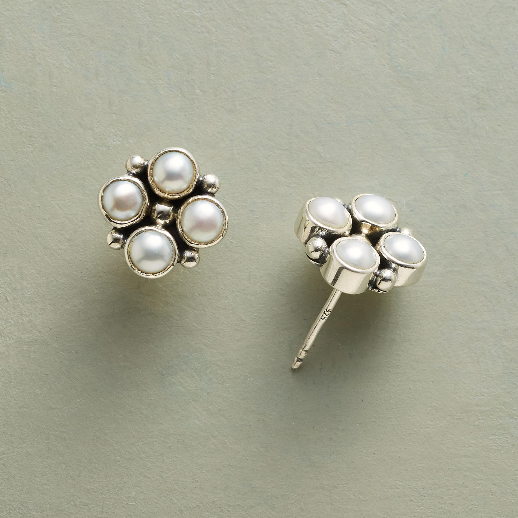FOUR PEARLS EARRINGS: View 1