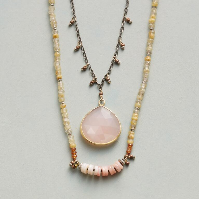 PLEASURES OF PALE NECKLACE