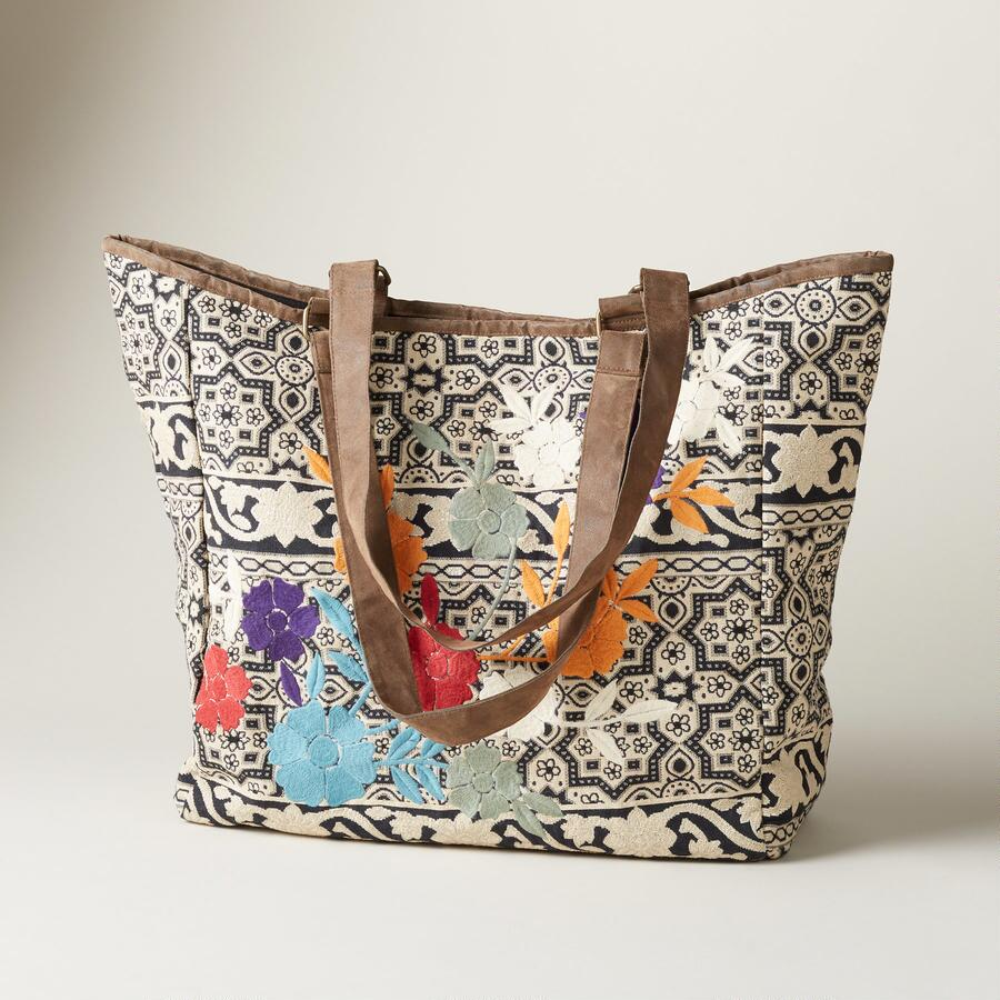 TRAVELING SOUL TOTE