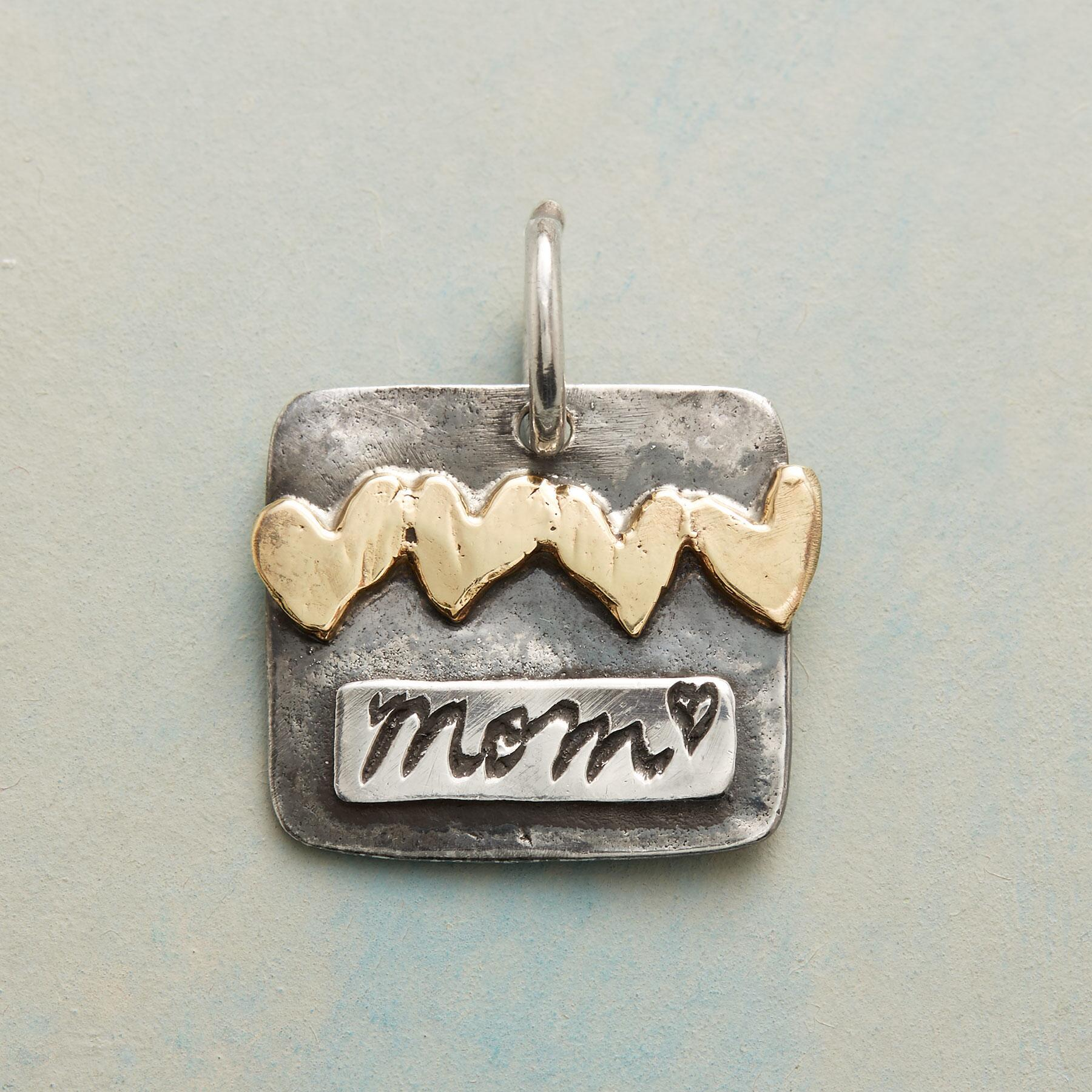 GOLD HEARTS MOM CHARM: View 1