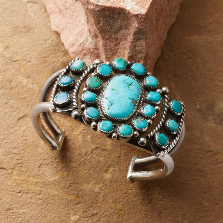 1940'S TURQUOISE ROSETTE CUFF