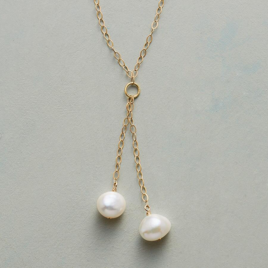 GEMINI PEARL NECKLACE