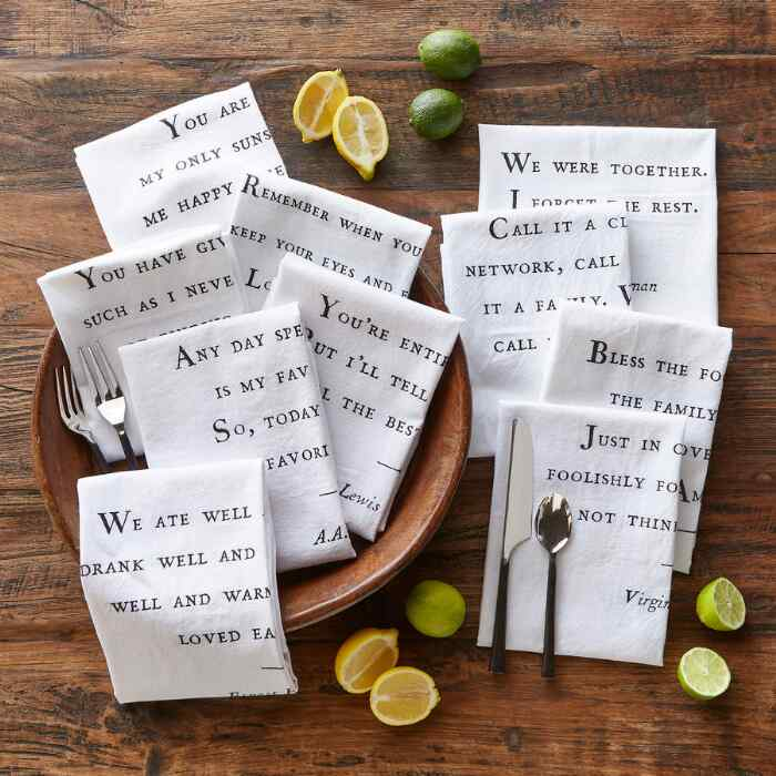 FAMILY NAPKINS, Set of 10