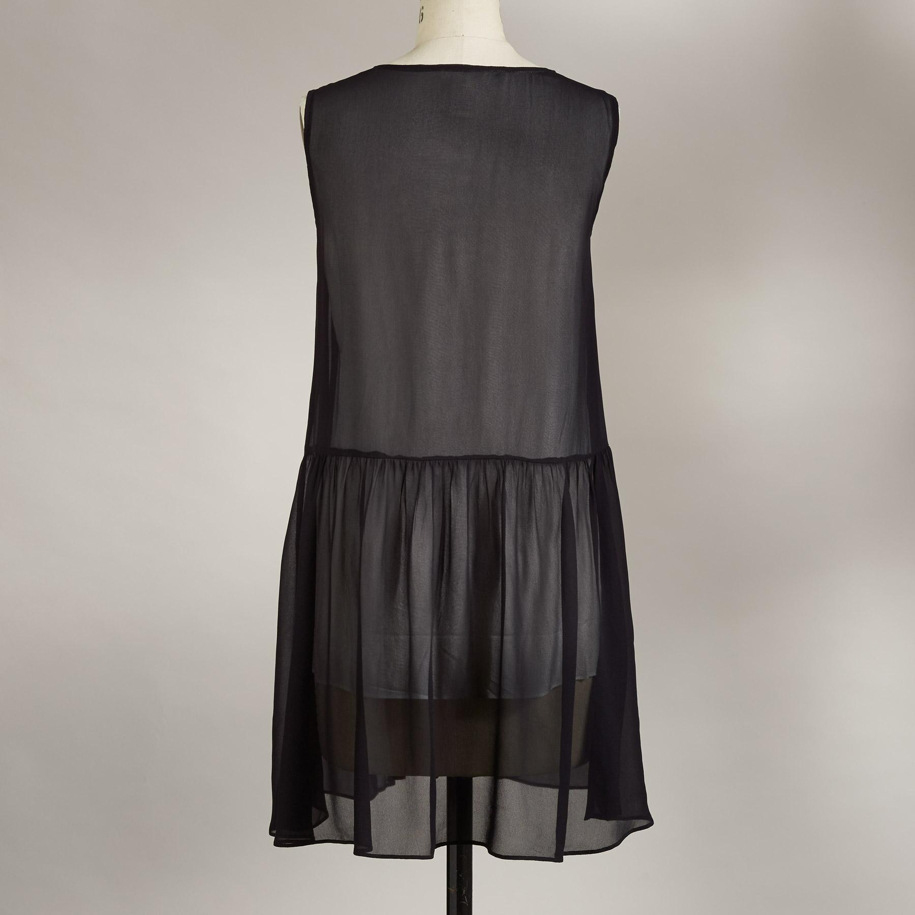 TIMELESS ALLURE TUNIC: View 2