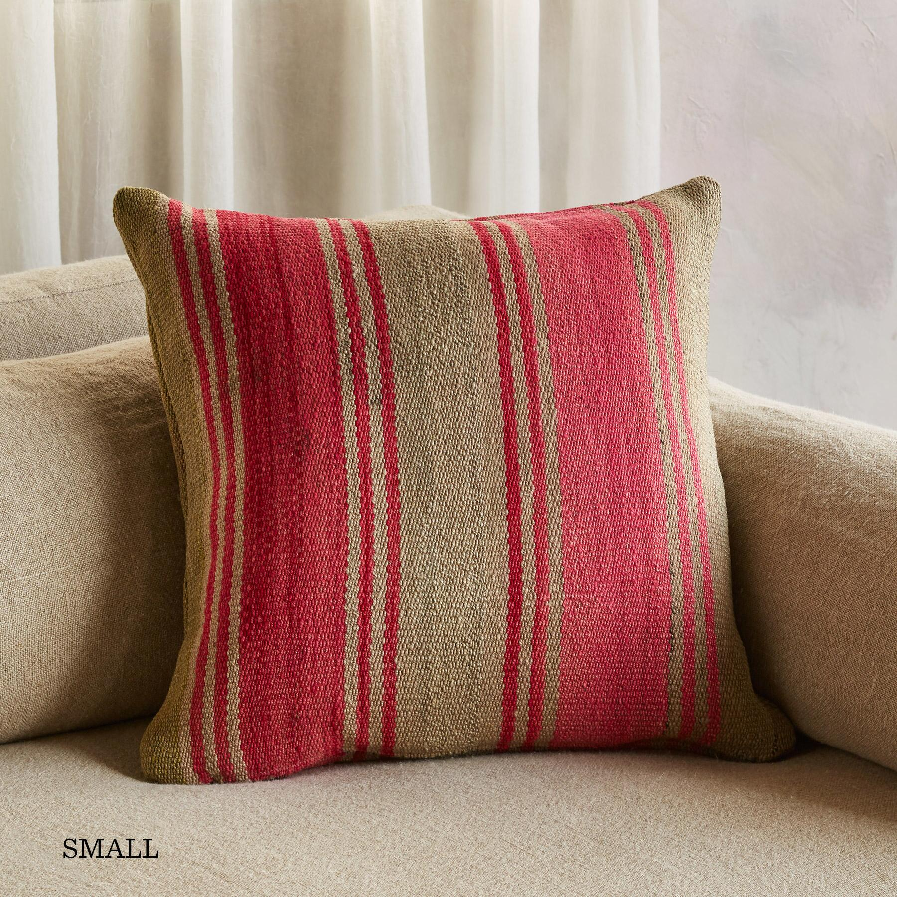 VINTAGE BOLIVIAN PILLOW: View 2
