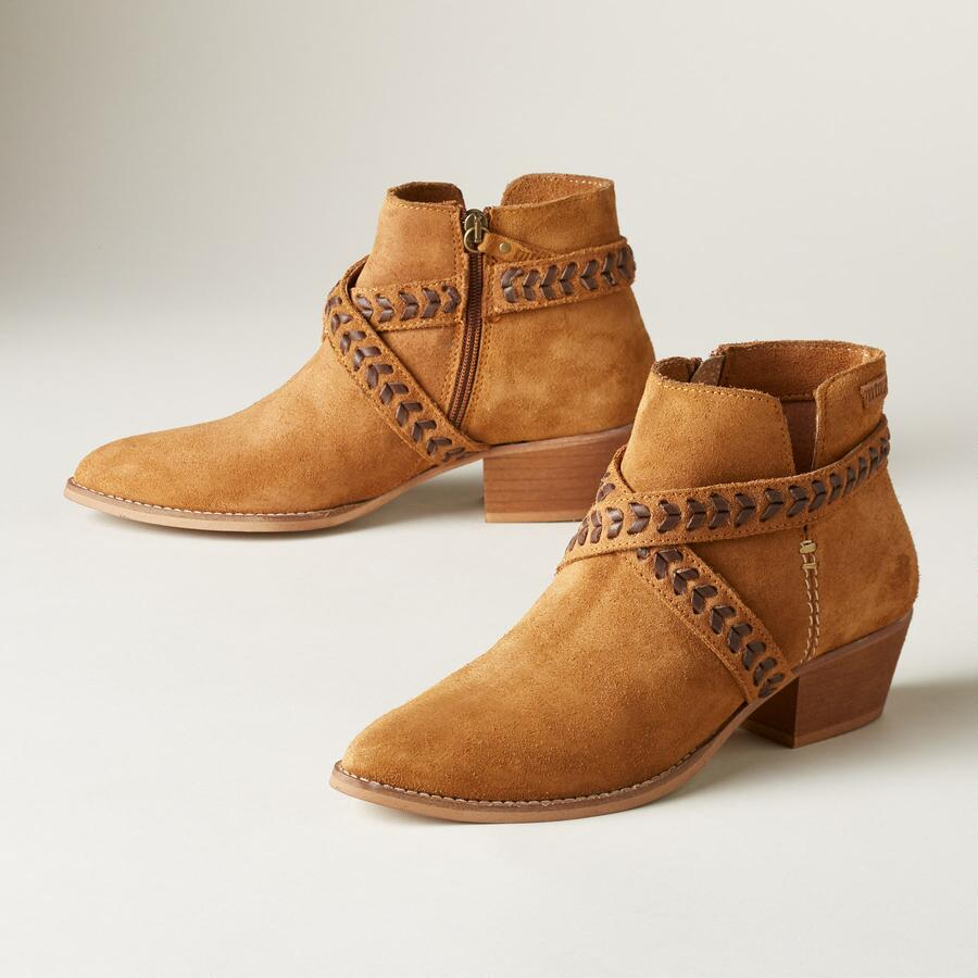 MOOR & MOUNTAIN BOOTIES