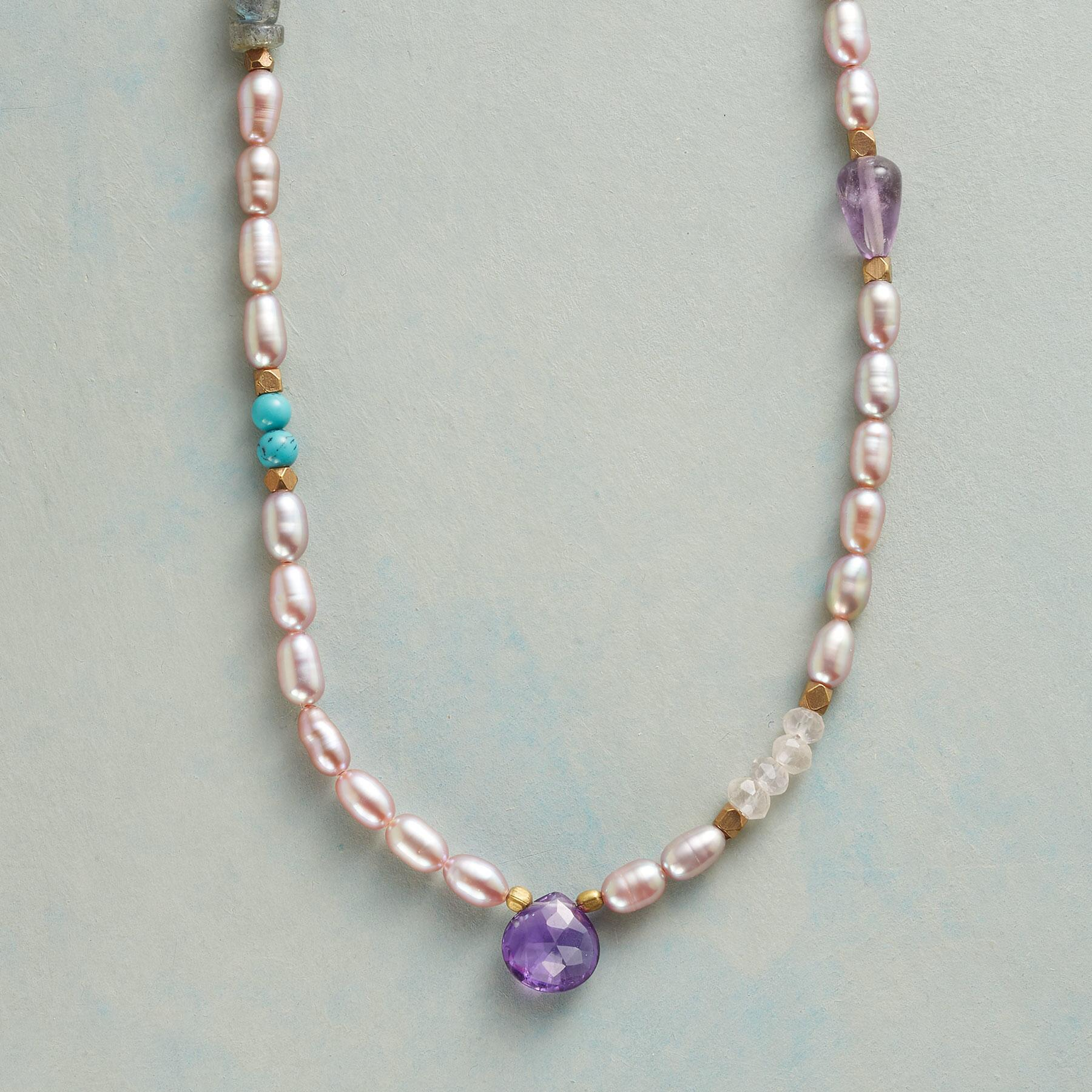 VIOLETS AND BLUES NECKLACE: View 1