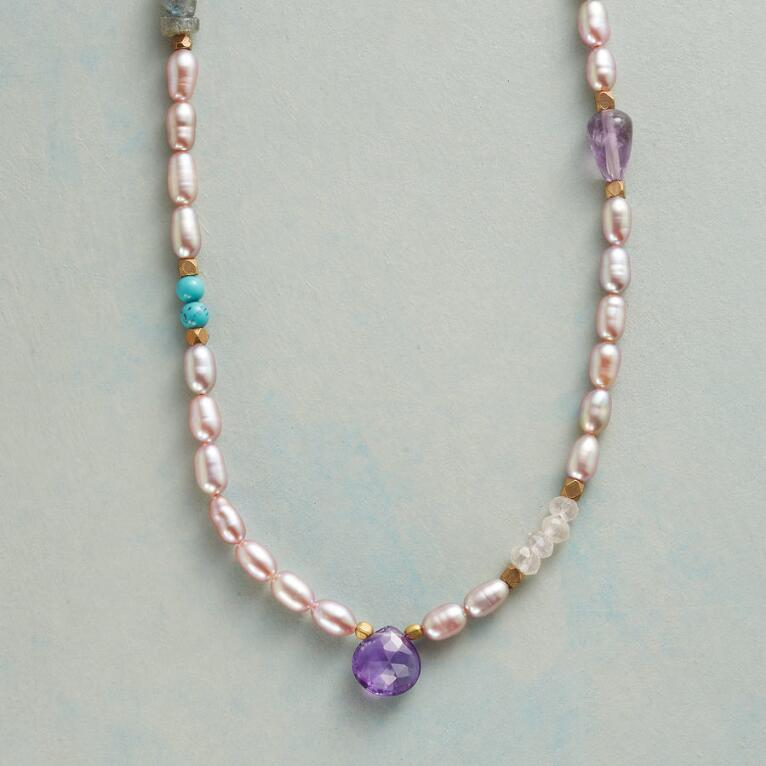 VIOLETS AND BLUES NECKLACE