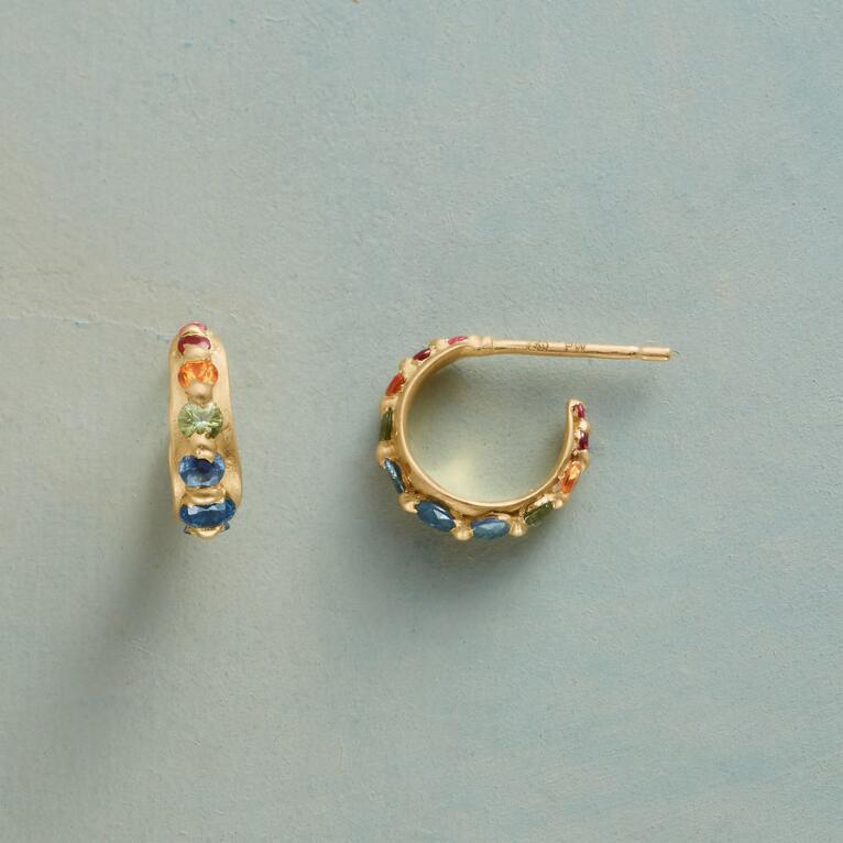 GALLERY OF SAPPHIRES EARRINGS