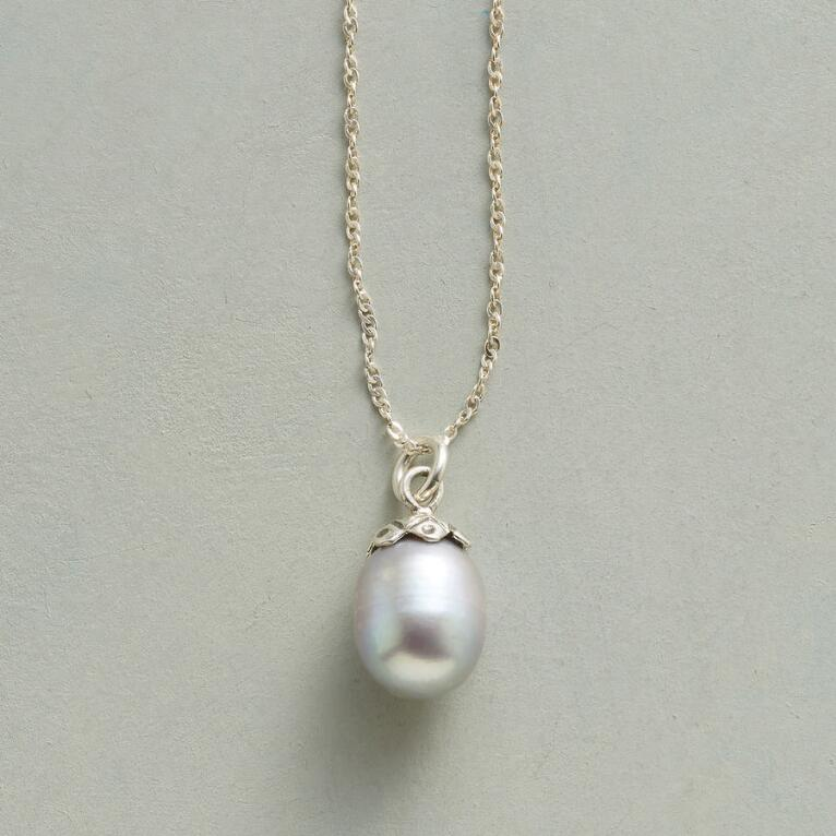 PEARLY BUD NECKLACE