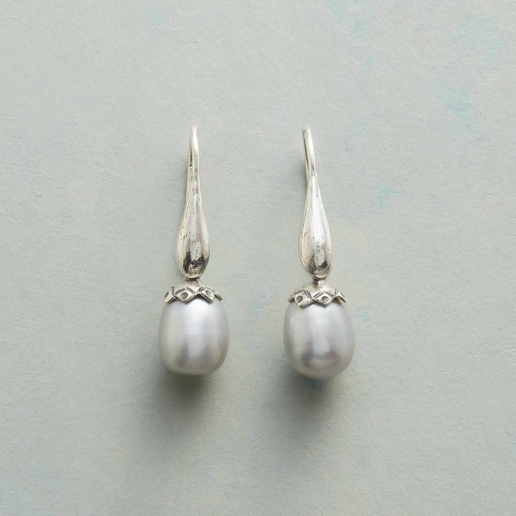 PEARLY BUD EARRINGS: View 1