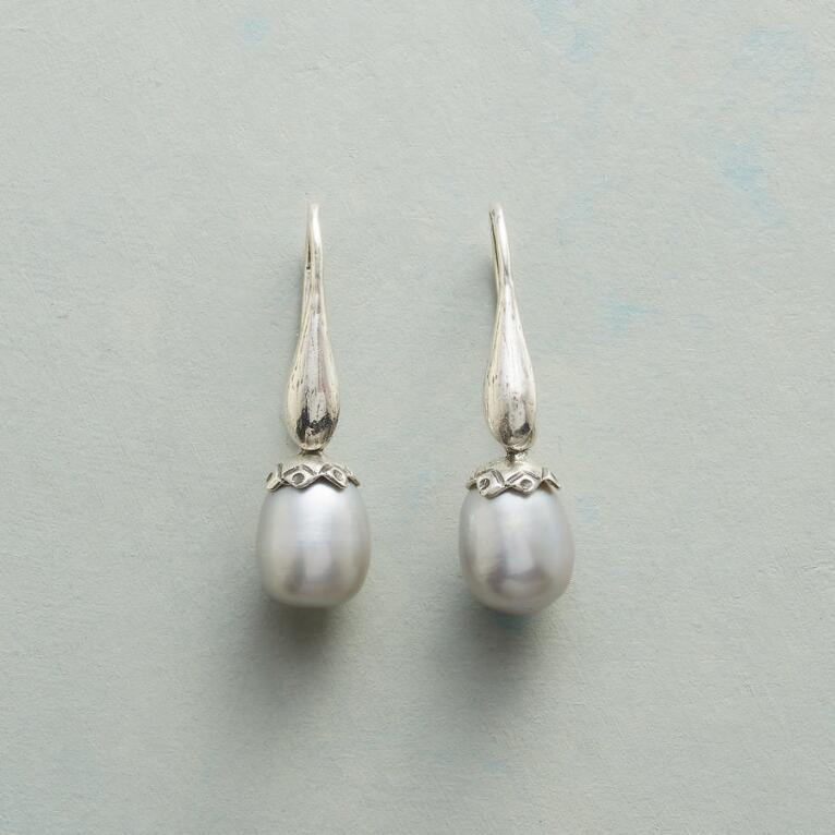 PEARLY BUD EARRINGS