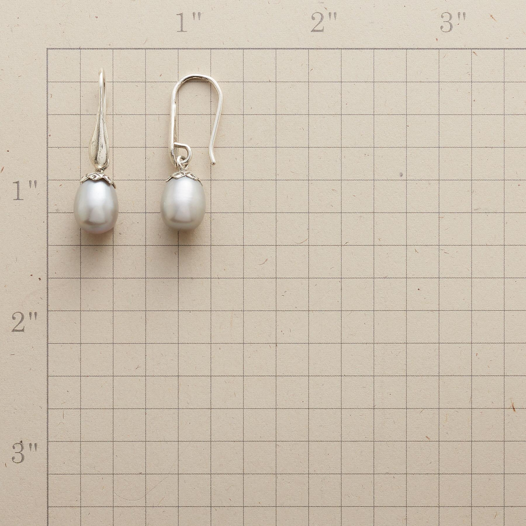 PEARLY BUD EARRINGS: View 2