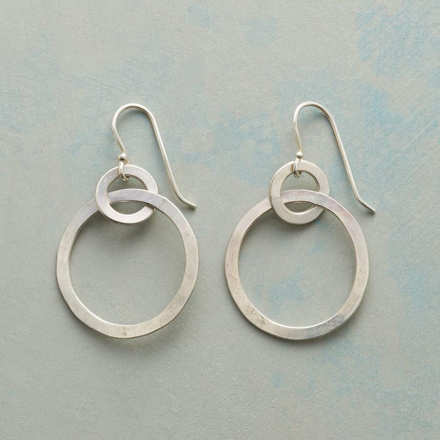 ON AND ON EARRINGS