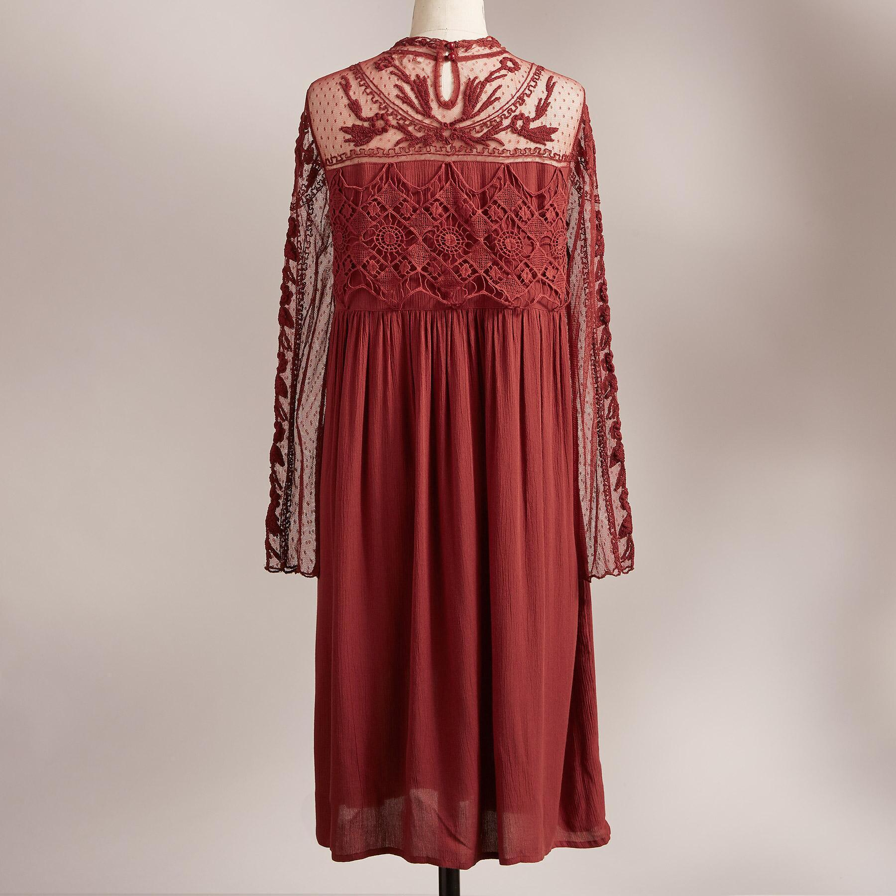 VICTORIAN ROMANCE DRESS: View 3
