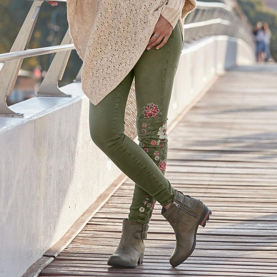 JACKIE FLORAL DRIFT JEANS BY DRIFTWOOD