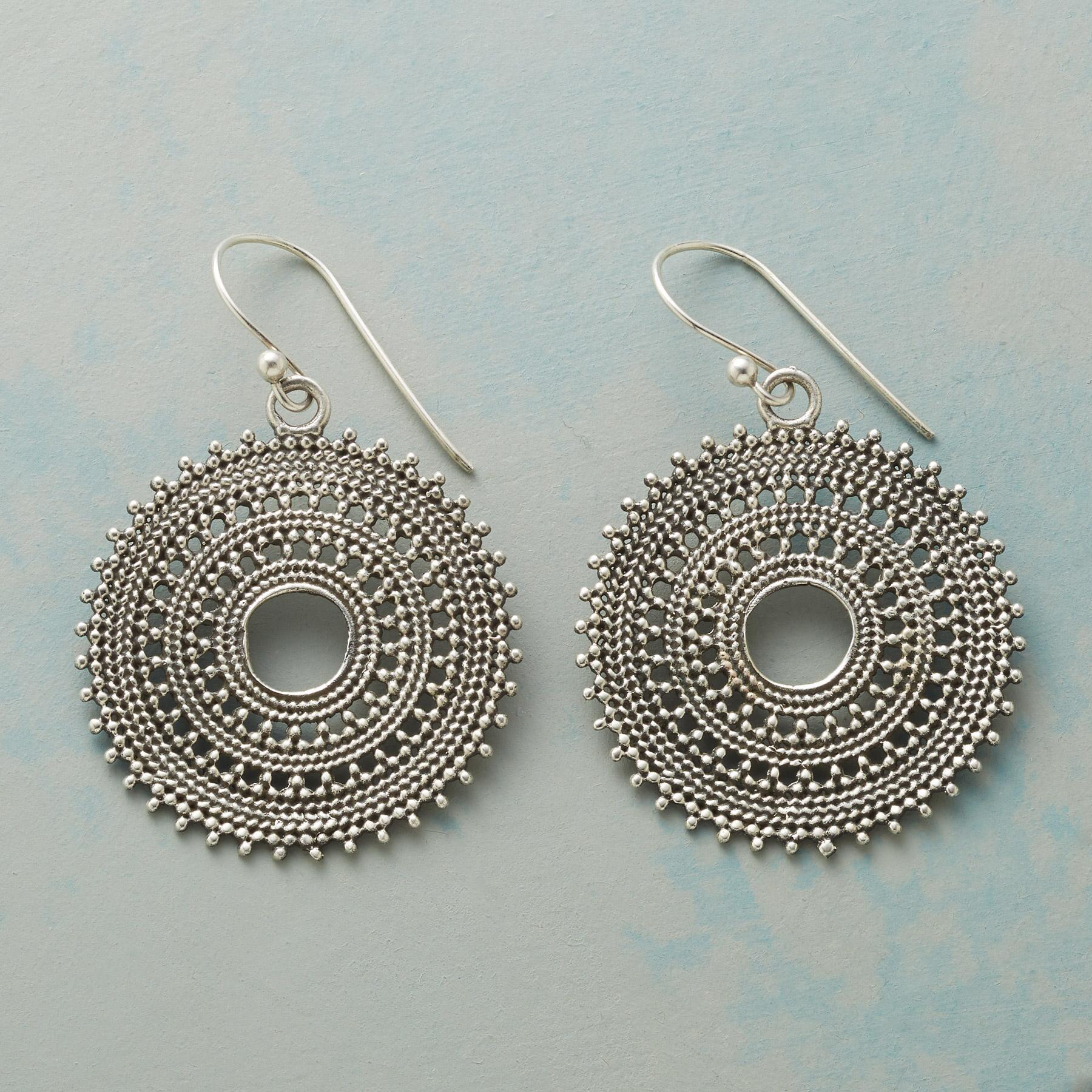 SOL STYLE EARRINGS: View 1