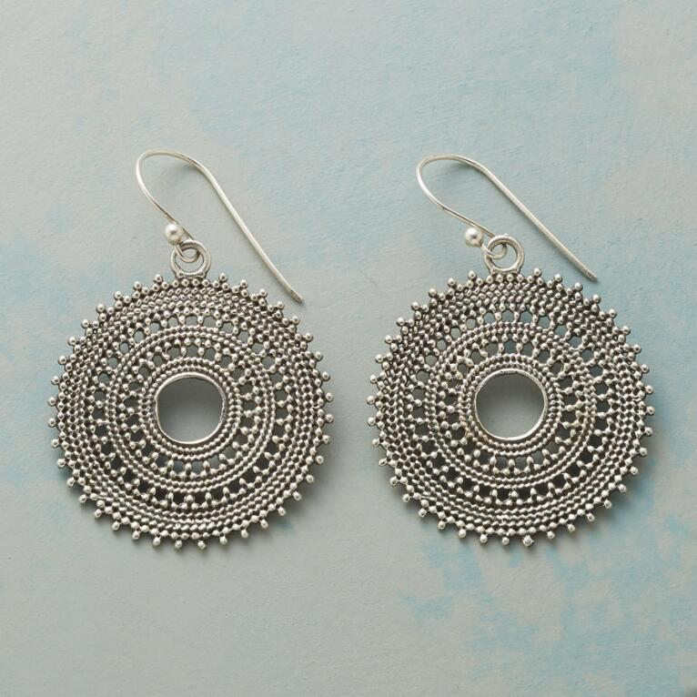 SOL STYLE EARRINGS