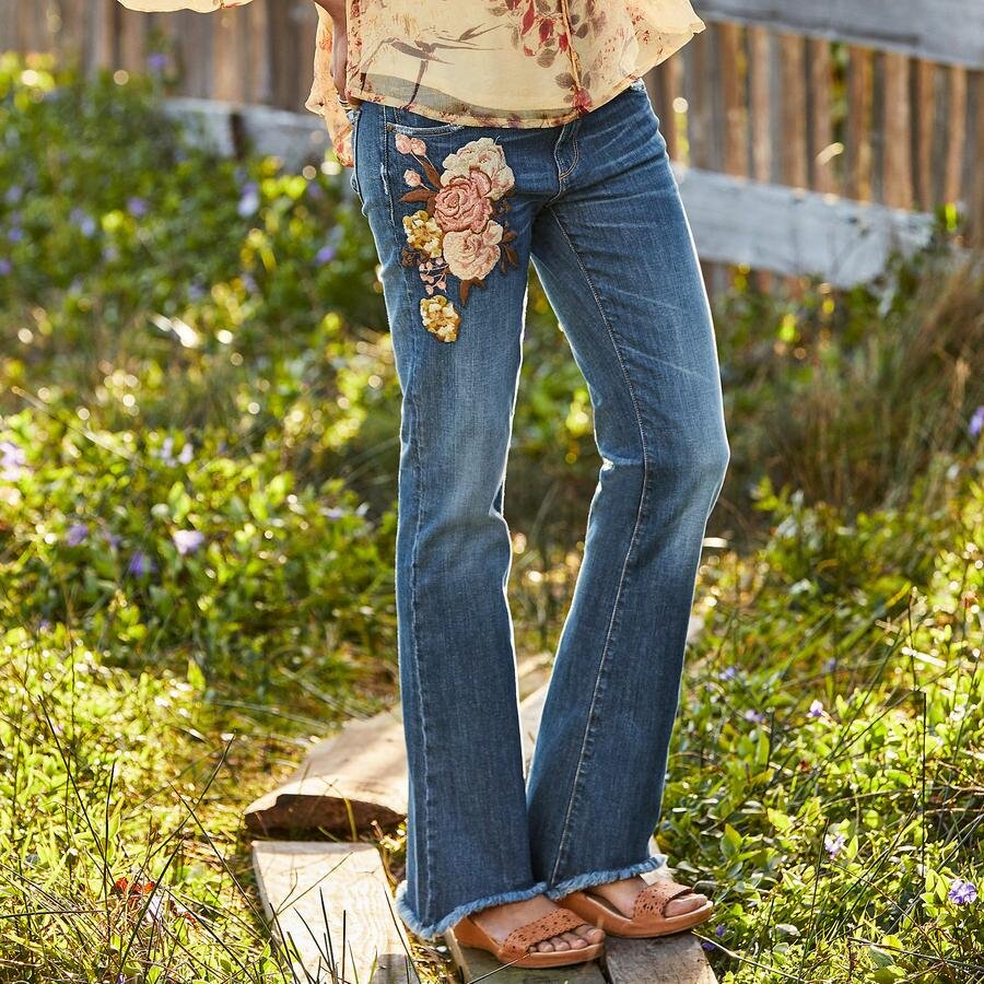 EVA ROSE JEANS BY DRIFTWOOD