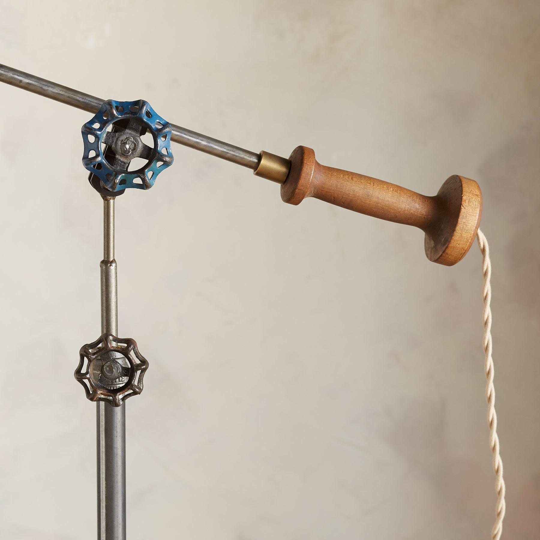 PITTSBURG FLOOR LAMP: View 3