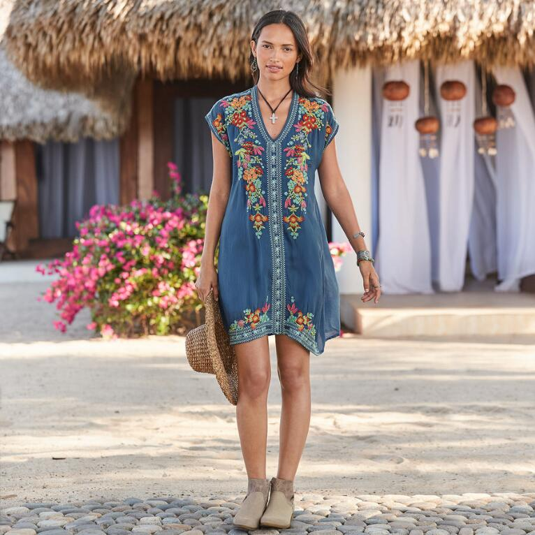 WORLD TRAVELS DRESS