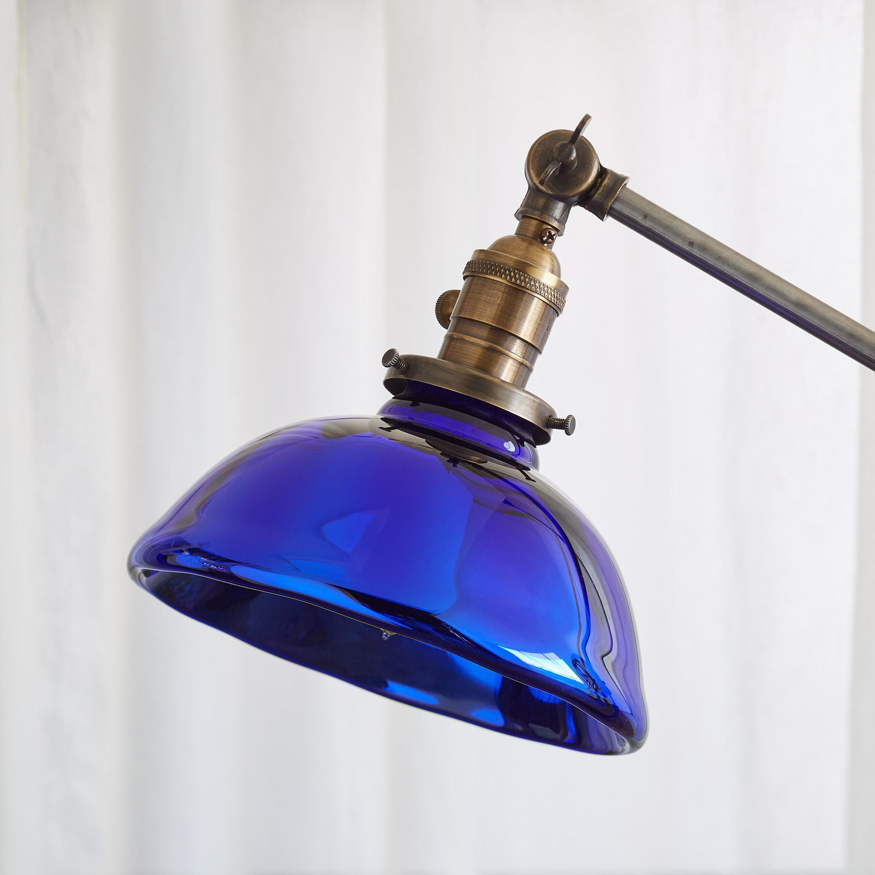TAHOE TABLE LAMP: View 2