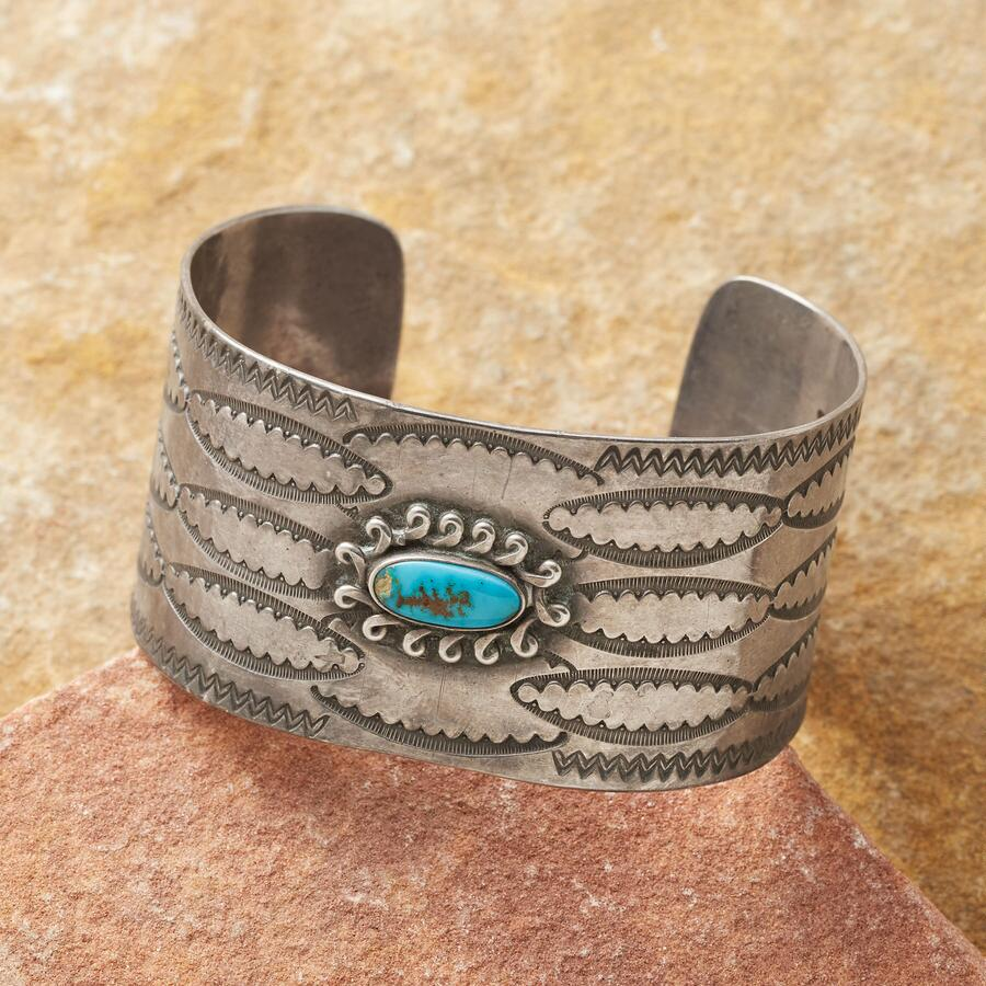 1940S BISBEE TURQUOISE CUFF