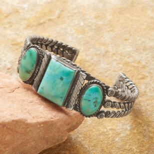VINTAGE NEVADA TURQUOISE CUFF