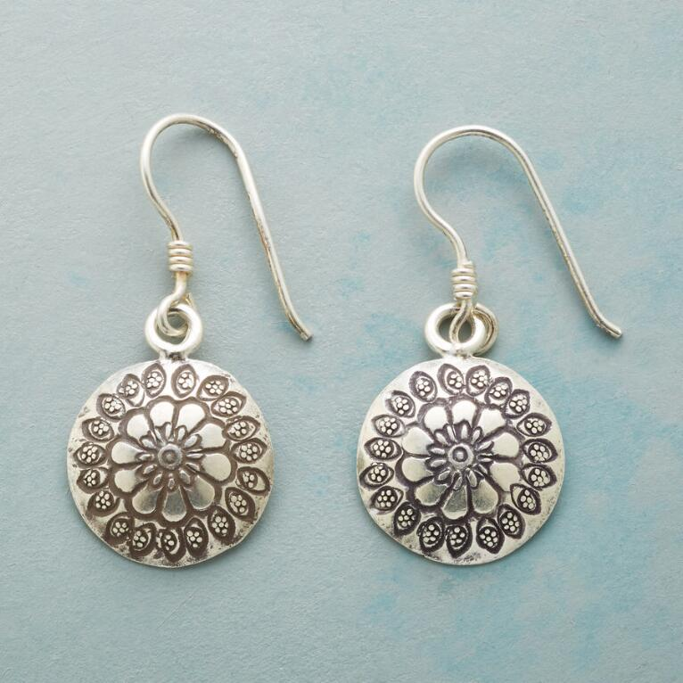 FLOWERS IN THE ROUND EARRINGS