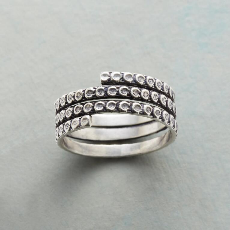 DOTTED SPIRAL RING