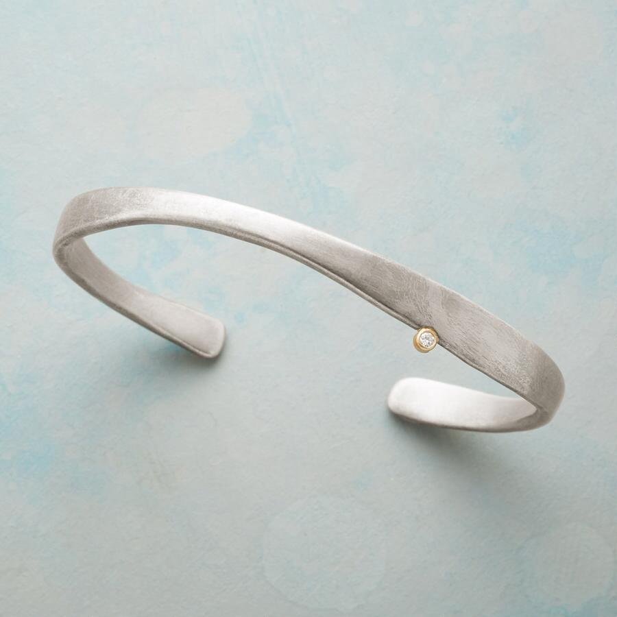 SWELL DIAMOND CUFF