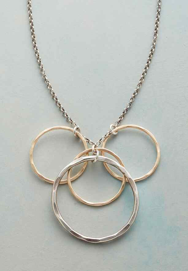 FINE CIRCLES NECKLACE