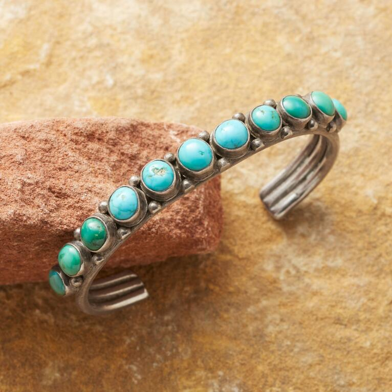 VINTAGE TURQUOISE ROW CUFF