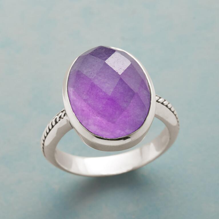 PALATIAL PURPLE RING