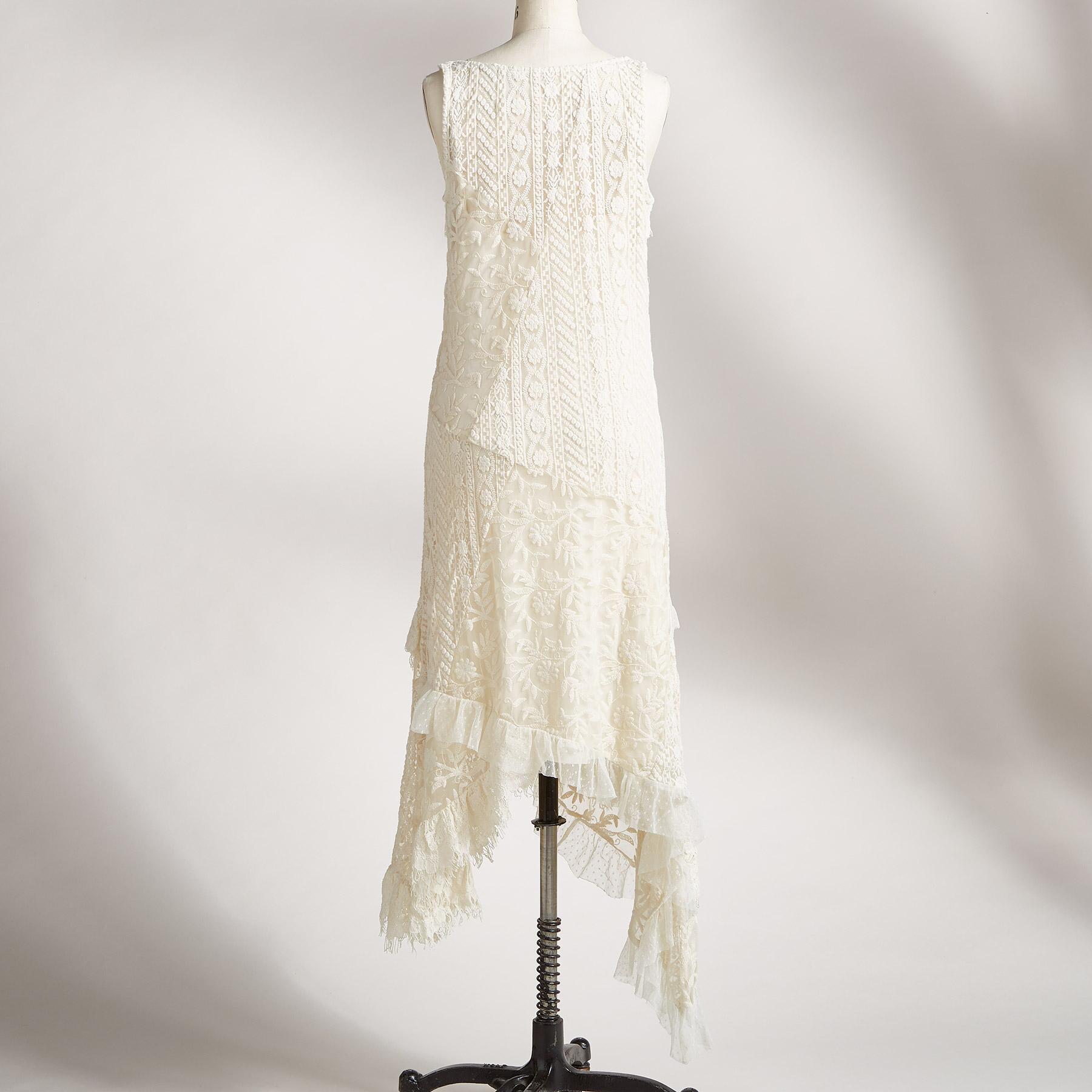 JOSYLEN LACE DRESS: View 2