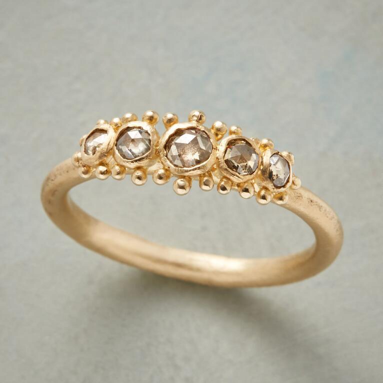 TAJ TREASURE DIAMOND RING
