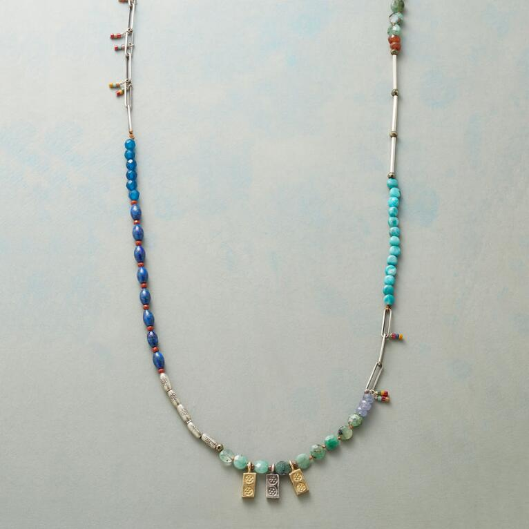 COOL ARRAY NECKLACE