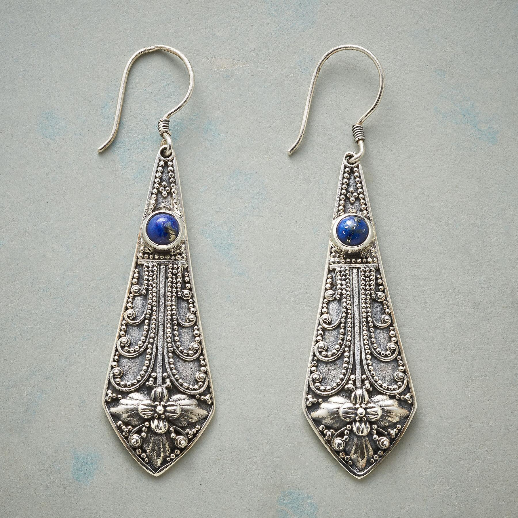 PENDOLO EARRINGS: View 1