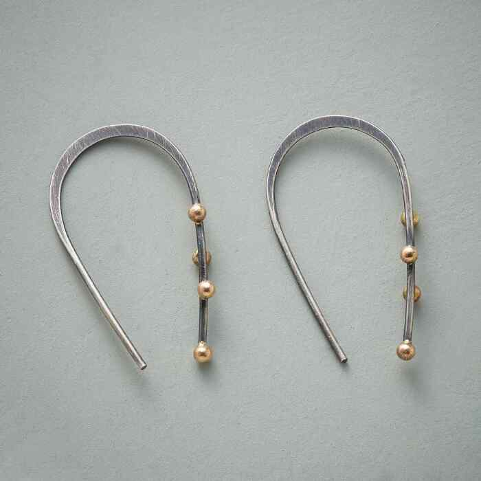BEADED HORSESHOE HOOPS