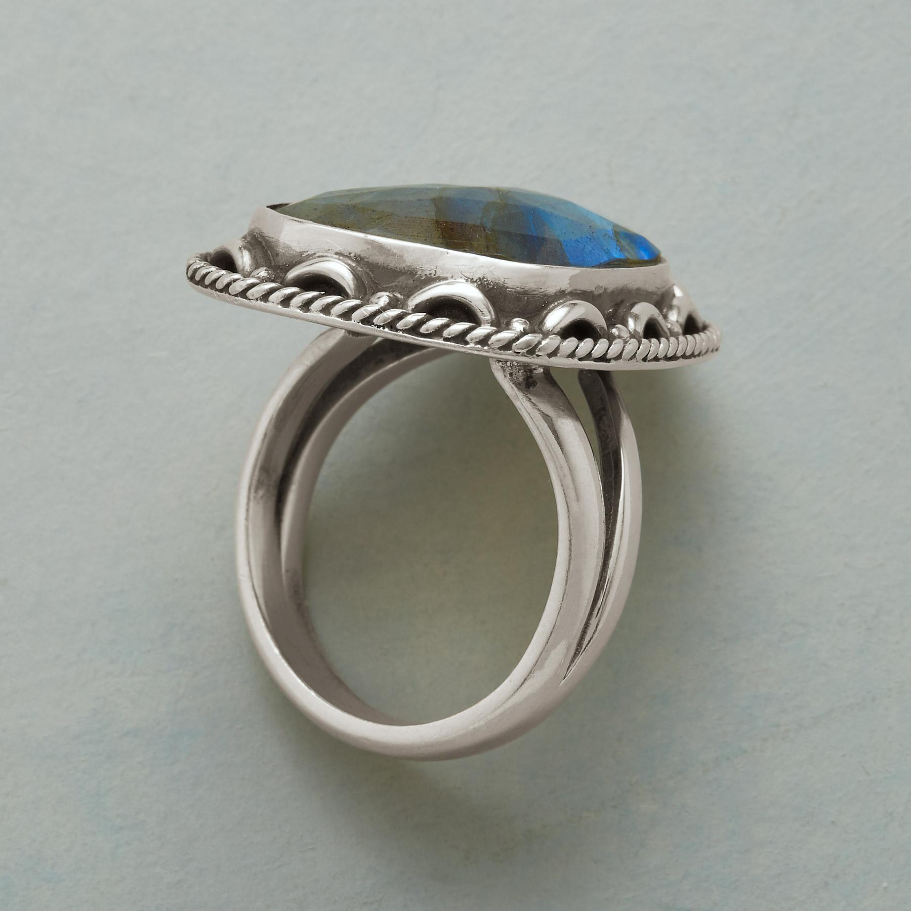 HEAVENLY VIEW RING: View 2