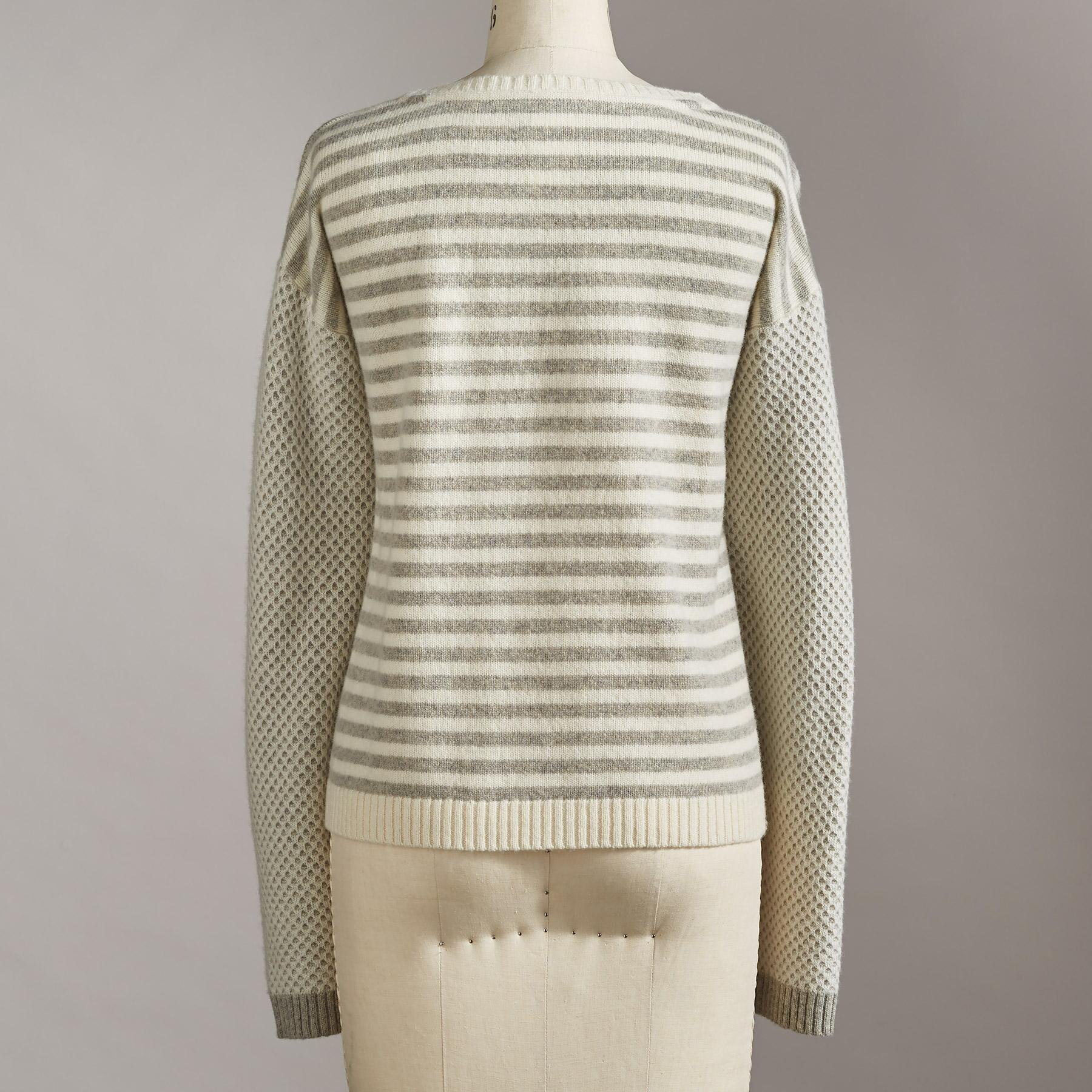 PERFECT BLEND PULLOVER: View 2