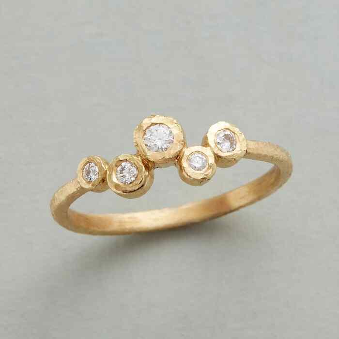 DRIFTING DIAMONDS RING