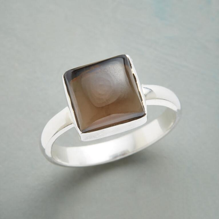 SMOKY SQUARE RING