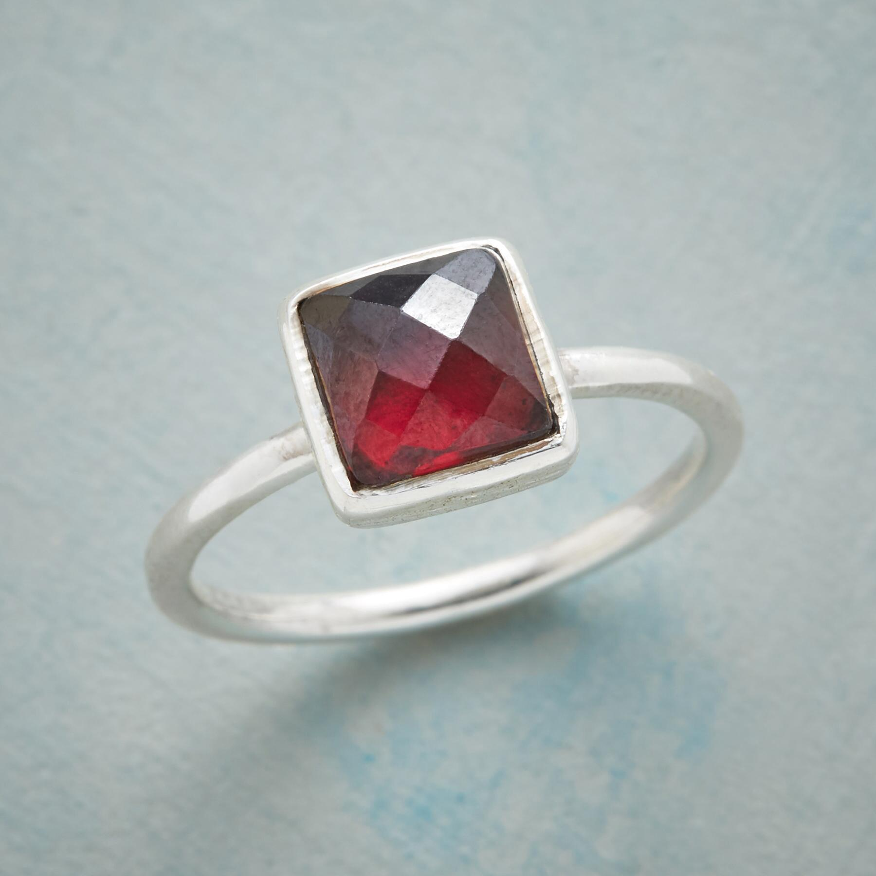 CRIMSON QUEEN RING: View 1