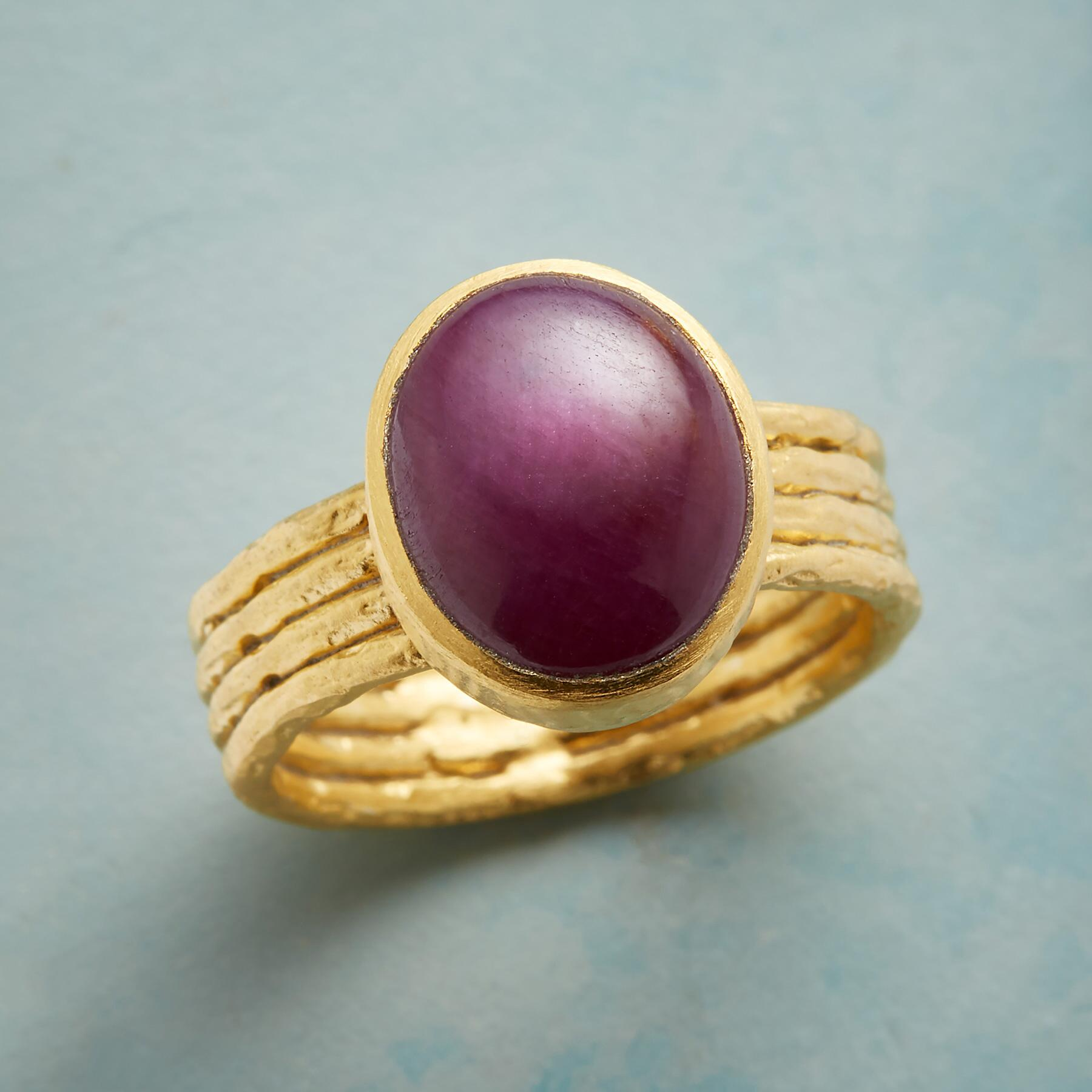 ROUGE AMOUR RING: View 1